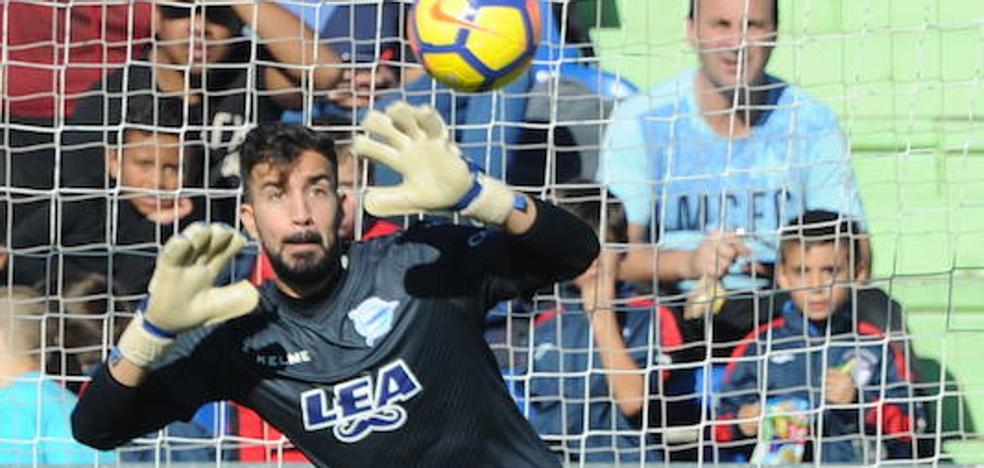 El Sevilla no activará el fichaje de Pacheco hasta que resuelva el futuro de Sergio Rico