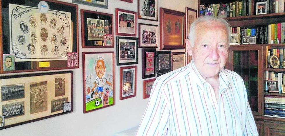 Fallece Julio Remacha, histórico goleador del Alavés en los años 50