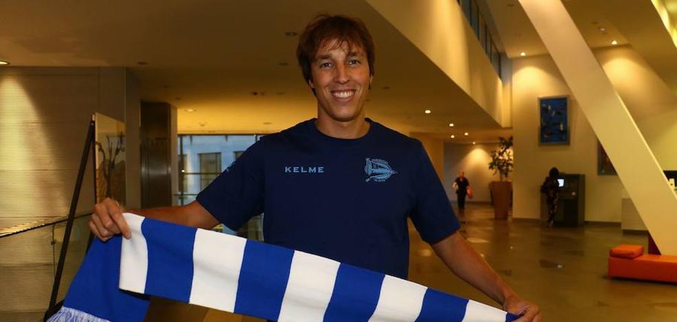 Pina firma con el Alavés hasta 2021