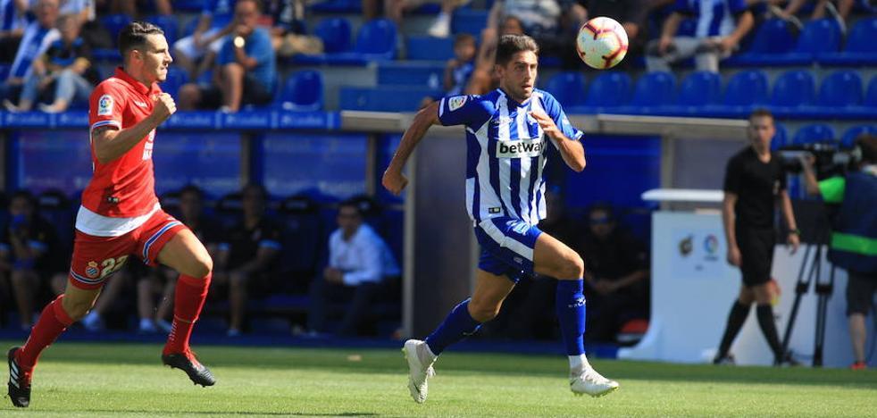 Rubén Sobrino marca el gol 500 del Alavés en Primera