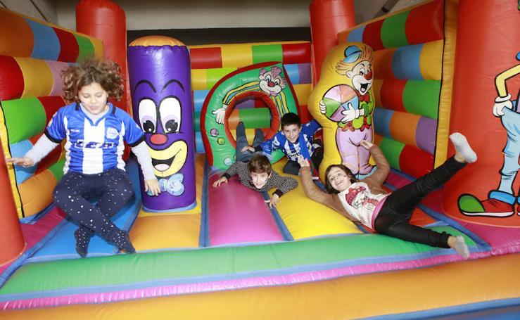 Colorido y diversión infantil en el Alavés - Huesca