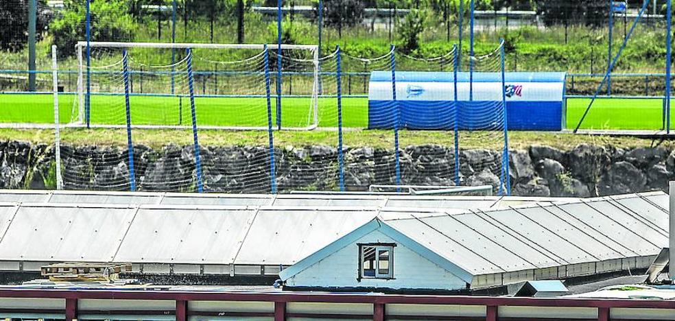 La reforma del campo y la Ciudad Deportiva del Alavés, a paso lento «pero firme»