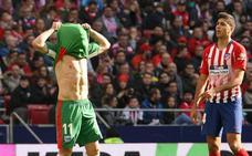 El Atlético doma al Alavés