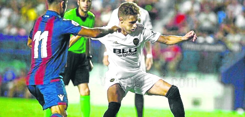 El Alavés incorpora a Álex Blanco cedido por el Valencia