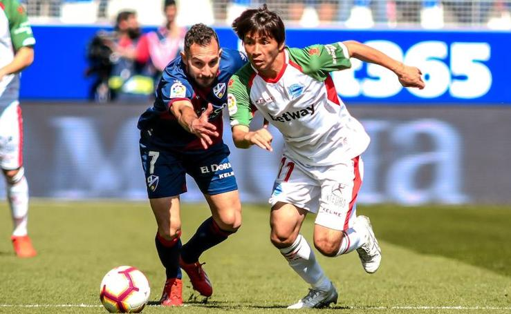 Las mejores fotos del Huesca - Alavés de Liga