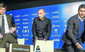 El Alavés intensifica los contactos con Abelardo para su renovación