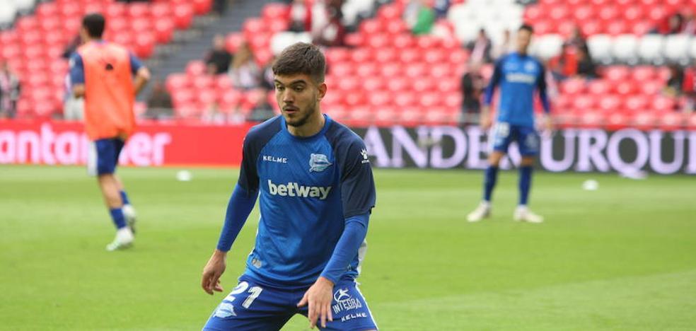 Martín juega de extremo ante el Athletic