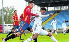 Javi López avanza con un rol destacado en el Europeo sub'17