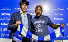 Fernández considera a Fuchs «un jugador de presente y futuro» para el Alavés