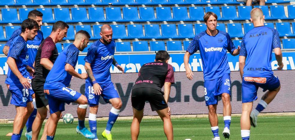Adrián Marín y Lucas Pérez, novedades en un once con Duarte en el eje de la zaga