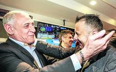 Paco Leal, exportero del Alavés: «Cualquier día Pacheco aparece por Sevilla»