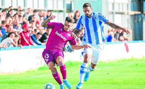 Ximo Navarro se ve más como lateral esta temporada
