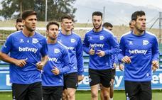 Último entrenamiento del Alavés antes de viajar a Valencia