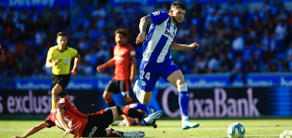 Burke por Aleix Vidal, gran novedad del Alavés en Mestalla