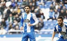 Eneko Bóveda abandona la banda y debuta con el Deportivo como central