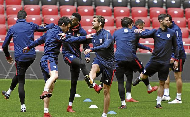 Los jugadores del Athletic realizaron ayer su último entrenamiento y  viajaron por la tarde en un 5fb956dbcf575