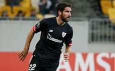 Raúl García: «Lo más fácil es echar al entrenador, pero el míster está con fuerza»
