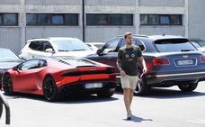 El Lamborghini de Muniain, una de las atracciones del entrenamiento