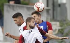 Iñigo Martínez entrena con el grupo