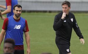 Berizzo prueba a Balenziaga en el once para Sevilla