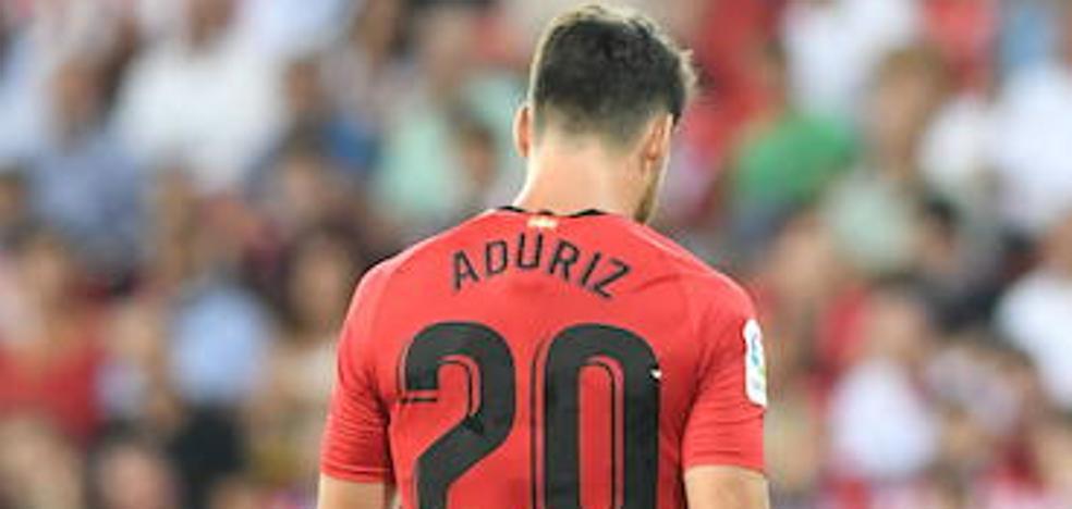 Aduriz se queda en casa y Muniain entra en una lista de 19