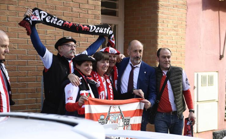 Elizegi, con los peñistas en Villarreal