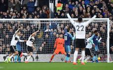Llorente, titular con el Tottenham y gol en propia meta