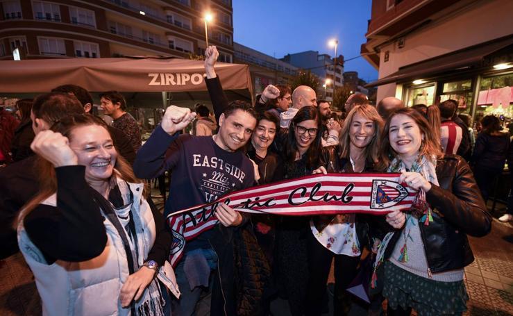 Las aficiones del Athletic y Eibar, hermanadas en Bilbao