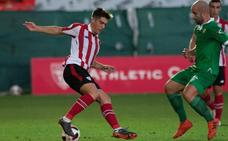 El Athletic renueva y sube al primer equipo a Larrazabal para evitar su marcha al Alavés