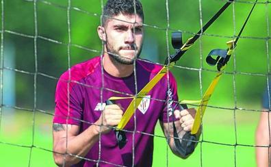 El Athletic estudia mejorar el contrato de Núñez y blindarle
