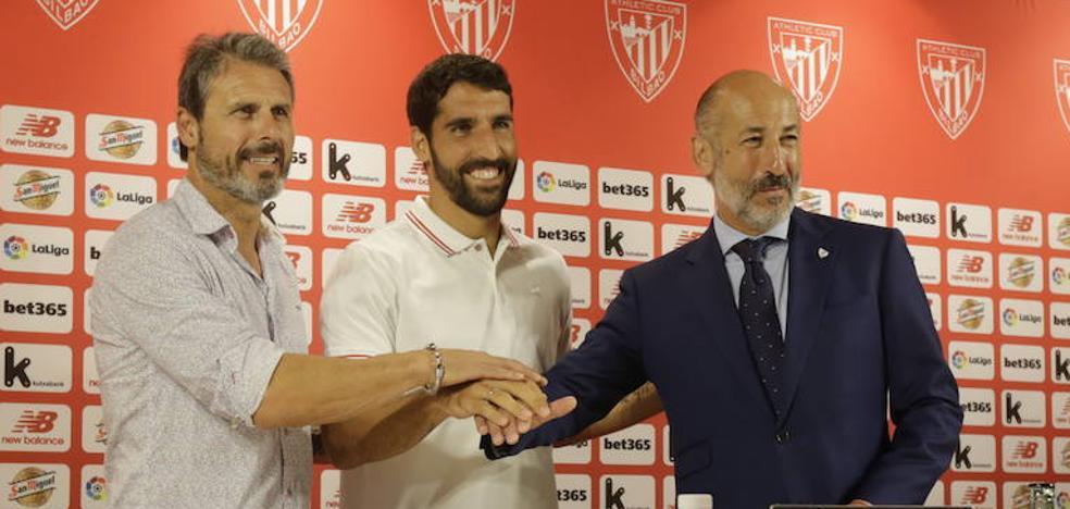 Raúl García promete «si cabe más responsabilidad y compromiso» tras firmar un año más con el Athletic