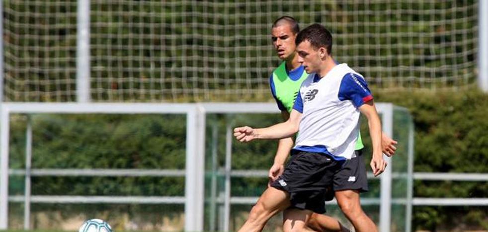 Íñigo Vicente: «El Mirandés es un buen club para crecer»