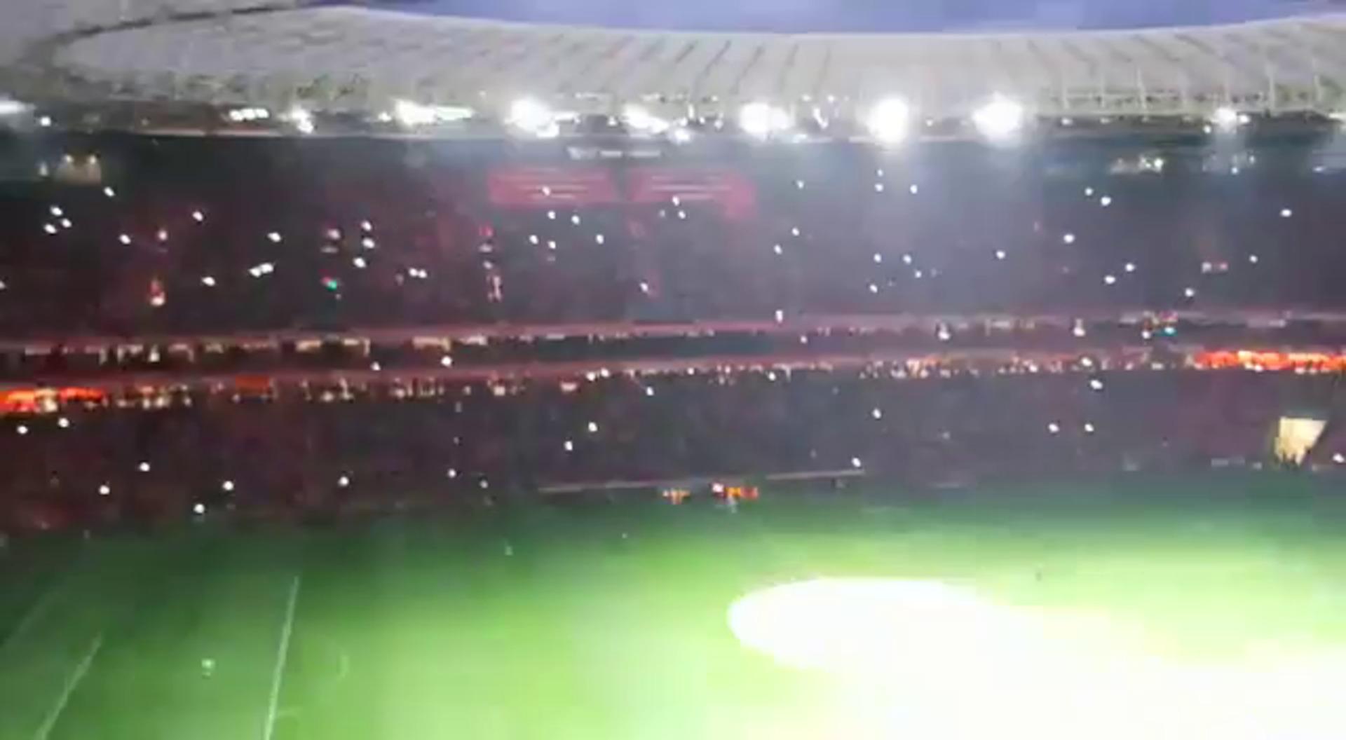 Luces y música en la presentación de los jugadores en el Athletic-Celta