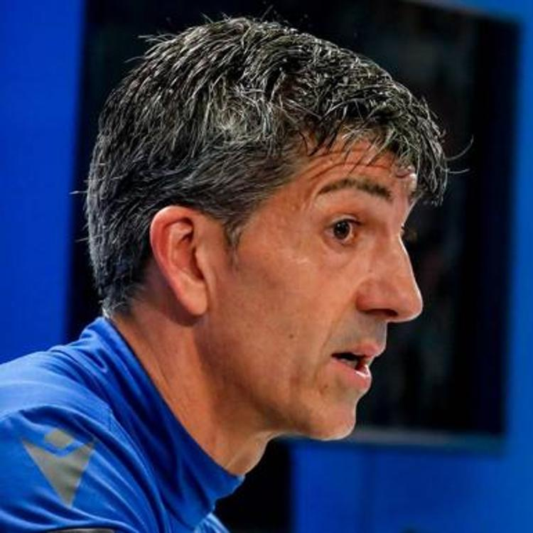 El entrenador de la Real: «Hay que felicitar al Athletic aunque nos duela»