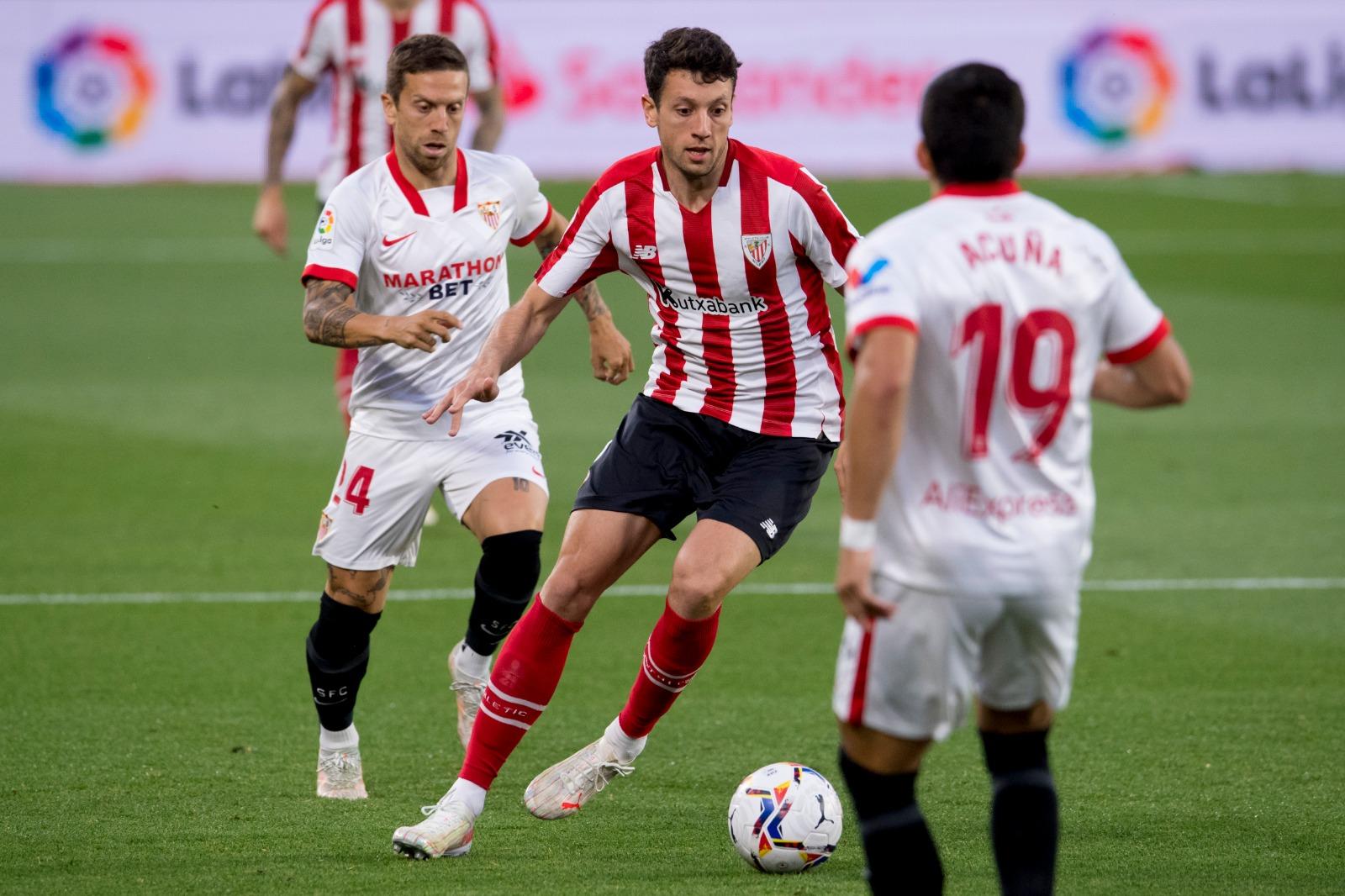 Las mejores imágenes del partido entre el Sevilla y el Athletic