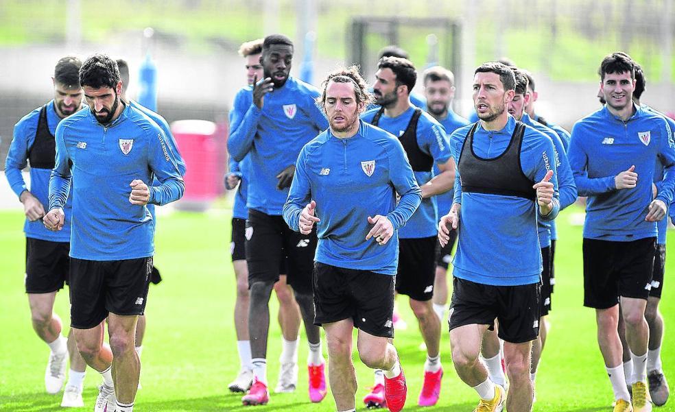 ¿Una pretemporada con 34 jugadores en el Athletic?