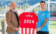 Yuri Berchiche renueva hasta 2024 con el Athletic sin cláusula de rescisión
