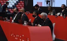 «Decimos en público y en privado que no queremos jugar los lunes», protesta Elizegi