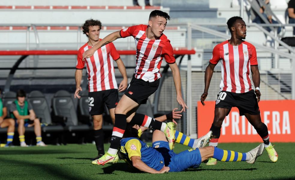 Ibai Sanz sale al rescate en el Bilbao Athletic