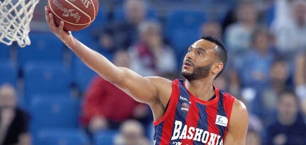 El Baskonia apuesta fuerte e iguala la millonaria oferta del Barcelona por Hanga