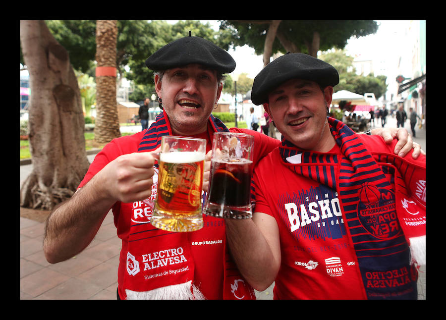 La afición baskonista toma posiciones en Canarias
