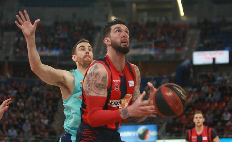 Fotos del Baskonia - Barcelona. Primer encuentro de semifinales