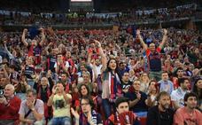 Ambientazo en el Buesa Arena para animar al Baskonia