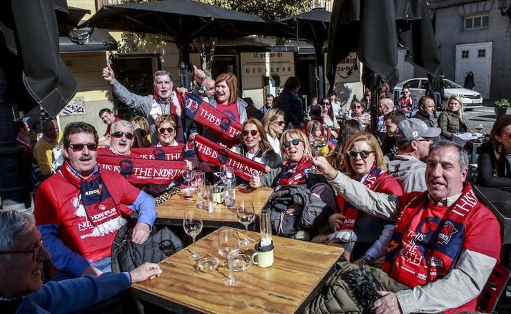 Los aficionados azulgranas disfrutan de las horas previas al debut del Baskonia