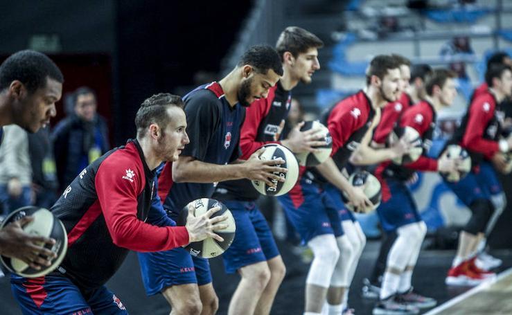 El Kirolbet Baskonia entrena en Madrid antes de su debut en la Copa del Rey