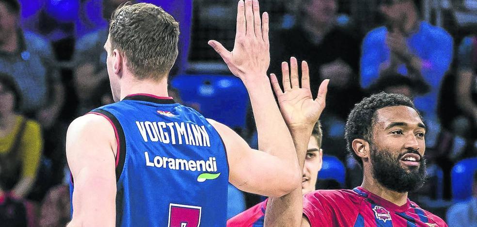 El Baskonia se reserva los derechos de Voigtmann y Hilliard en la ACB