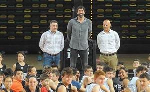 La era Mumbrú en el Bilbao Basket se estrenará en Oviedo