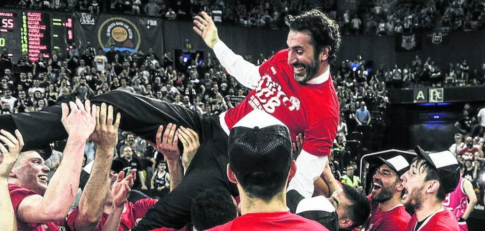 Aburto a los héroes del RETAbet: «Vuestro éxito es el éxito de Bilbao»