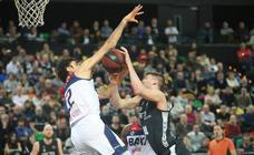Victoria del RETAbet Bilbao Basket ante el Manresa (88-77)