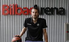 Valentin Bigote: «Me encantaría jugar el play-off con el Bilbao Basket»
